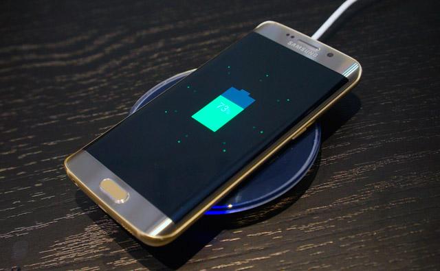 sạc nhanh bằng cáp hoặc không dây trên Galaxy S7 Edge